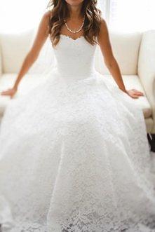 Śliczna koronkowa sukienka :)