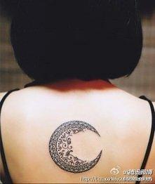 tattoo księżyc