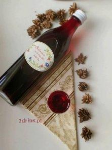 Nalewka Wiśniowa- Wiśniówka: Składniki:      1 kg wiśni     200g cukru     10 goździków     0,7-0,8 litra wódki, można dać nawet litr  Przygotowanie:  Wiśnie wypestkowujemy, zas...