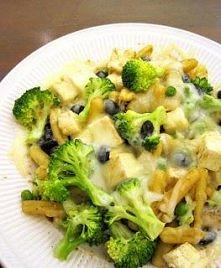 makaron z brokułami i serem...