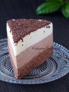 CIASTO MUS POTROJNIE CZEKOLADOWY Składniki:  100 g czekolady gorzkiej 100 g czekolady mlecznej 100 g czekolady białej 1000 g / 1 l śmietany kremówki 36% (użyłam 3 x 330g) 6 łyże...