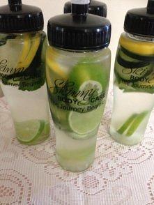 DETOX - 1 ogórek ,1 cytryna , 2 limonki ,1 pęczek mięty. Pokrój je wszystkie i podziel składniki między cztery butelki 0,75 l . Wypełnij ciepłą wodą , aby składniki bardziej się...