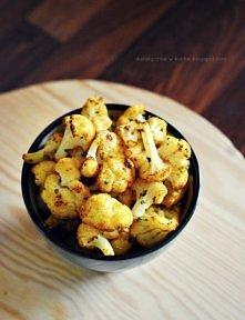 Kalafiorki z piekarnika  250 g kalafiora 2 łyżeczki ostrej papryki 1 łyżeczka...