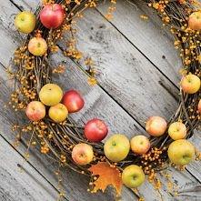 jesienny wieniec z jabłek
