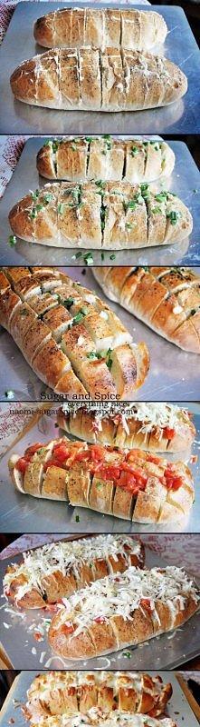 Chlebek zapiekany z pomidorami i serem :)