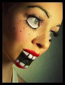 świetny make up na Halloween ;D