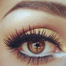 piękny makijaż oka :)