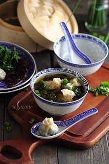 Zupa chińska z pierożkami wonton