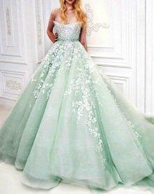 prześliczna suknia