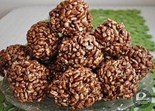 """1/2 kg krówek (miękkich i ciągnących) 1/2 kostki margaryny """"Kasia"""" 2 łyżki kakao 12-15 dag ryżu preparowanego Przepis: Krówki rozpuścić na małym ogniu. Dodać m..."""