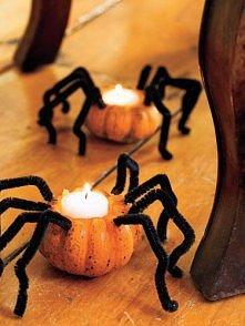Halloween-owe świeczniki