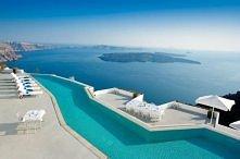 Hotel Chromata Suites na wyspie Santorini w Grecji.