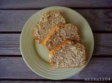 KARAIBSKI CHLEBEK KOKOSOWO-CYNAMONOWY  Składniki: - 2 ½ szklanki mąki pszennej, - 2 łyżeczki proszku do pieczenia, - 1 łyżeczka cynamonu, - 1 szklanka cukru pudru (można dać wię...