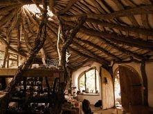 Wybudować dom własnymi rękami ? Poczytaj o domku Hobbita z Walii