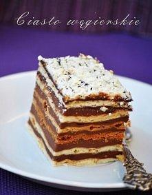 CIASTO WĘGIERSKIE  Ciasto: - 600 g mąki pszennej, - ½ łyżeczki proszku do pieczenia, - 2 jajka, - 160 g cukru, - 2 łyżki cukru waniliowego, - 8 łyżek kwaśnej śmietany, - 140 g m...