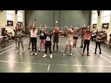 Miley Cyrus We Cant Stop Dance Kids OOOO... *.*