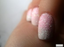 Brokatowe paznokcie