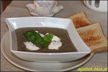 Zupa krem pieczarkowa Zupę krem można podać z groszkiem ptysiowym, tostami lu...