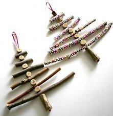 ale ładne świąteczne choineczki z gałązek :D