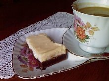 SERNIKO-BROWNIE Z PIERNIKOWĄ NUTĄ pół szklanki mąki pszennej  pół szklanki mąki żytniej  1/3 szklanki cukru  1/4 szklanki oleju  1/4 szklanki mleka  1 jajko  łyżka kakao  łyżecz...
