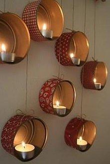 Te świeczniki zostały stworzone z puszek tuńczyka i papieru notatniku.