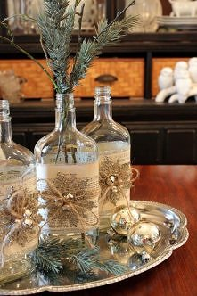 Świąteczne wazony z butelek