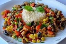 Ryż z warzywami i kurczakie...