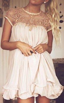 Góra tej sukienki jest śliczna<3