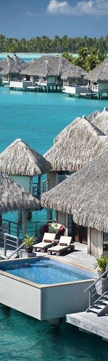 Regis Bora Bora