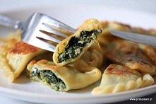 Pierogi ze szpinakiem i serem feta - bezwzględnie najlepsze :)  Ciasto: 4 szk...