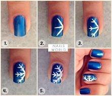 śnieżynka na paznokciach:)