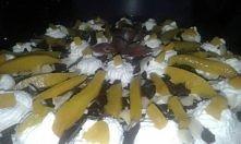 tort brzoskwiniowo migdałowy.