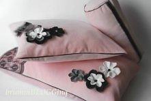 poduszki w różu