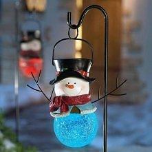 Bałwankowa lampa - pomysł na świąteczną dekorację podwórka