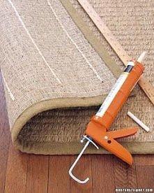 Aby dywan , albo jakikolwiek dywanik nie ślizgał się wystarczy na wew. stroni...