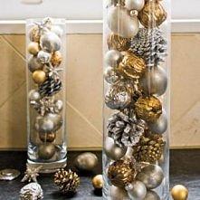 Ja wypełniłam takie szklane naczynie bombkami, światełkami i innymi ozdobami :)