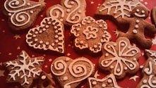 Nooo to zaczynamy dzisiaj pieczenie ciasteczek świątecznych <3 Ciekawe czy...