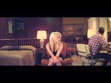 uwielbiam. Sky Ferreira - Sad Dream