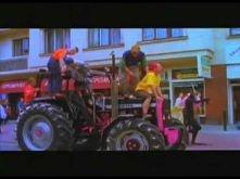 Blenders - Ciągnik Official Video.flv taki stary hit