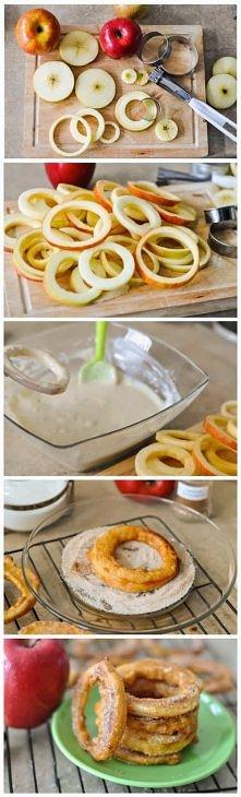 Apple Cinnamon Rings Składniki:  Rzadkie ciasto   4 duże jabłka (wszelkie odmiany) 1 szklanka mąki uniwersalne 1/4 łyżeczki proszku do pieczenia 2 łyżki cukru 1/4 łyżeczki soli ...