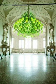 wielki zielony żyrandol