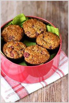 Przepis na 12 muffinów: 1 szkl ugotowanej kaszy jaglanej 3/4 szkl mąki pełnoziarnistej 3 łyżki amarantusa ekspandowanego 5 łyżek otrębów (u mnie miks) 1 jajko 2 łyżki Stevii w p...