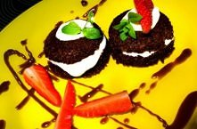 Lista zakupów (na 2 szt):  Na ciasto:  Jajko, 1 szt Serek twarożkowy chudy, 1...