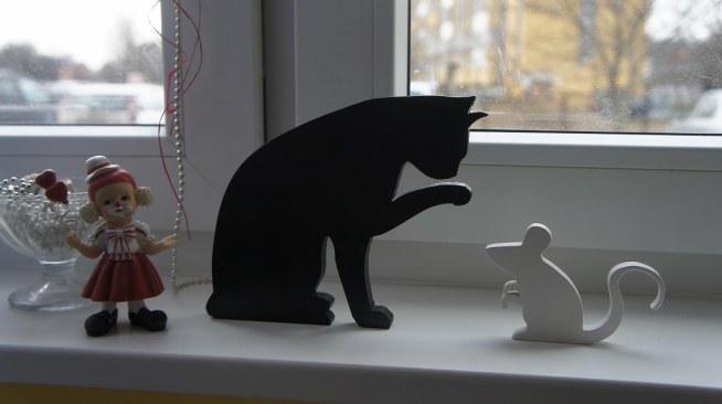 W Mega kot i mysz z drewna:) black & white :) rękodzieło:) na Napisy TZ32