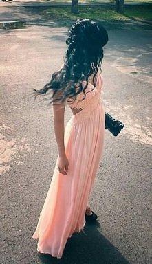 piękna suknia :)