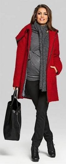 Czerwony płaszcz. HappyMum