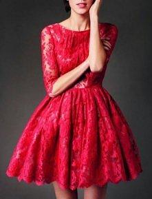 Czerwona koronkowa sukienka <3