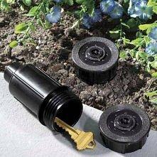 Schowek na klucze w ogrodzie