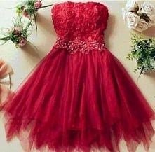 Uwielbiam czerwone sukienki...