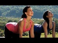 YOGA - deep stretching with Hilaria Baldwin